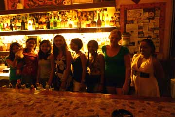 Helmuts place alona beach bar