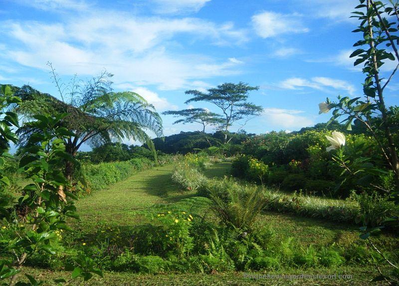 Stone house gardens resort philippines 004