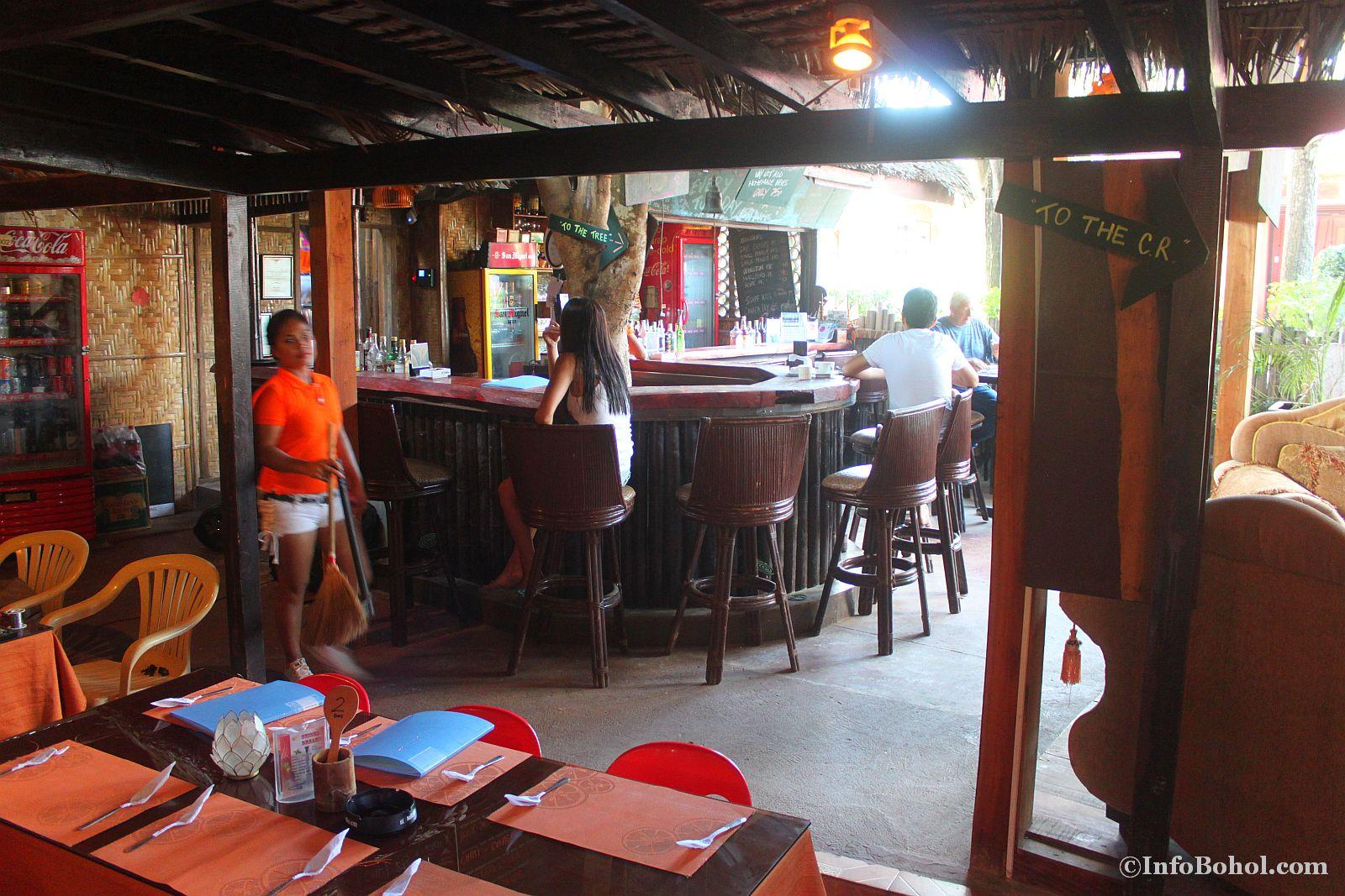T2 restaurant bar alona beach panglao bohol 004