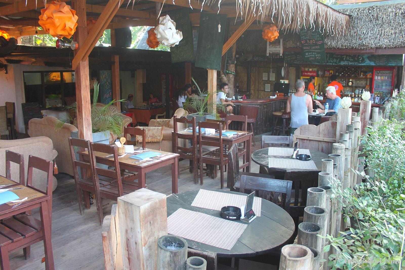 T2 restaurant bar alona beach panglao bohol 007