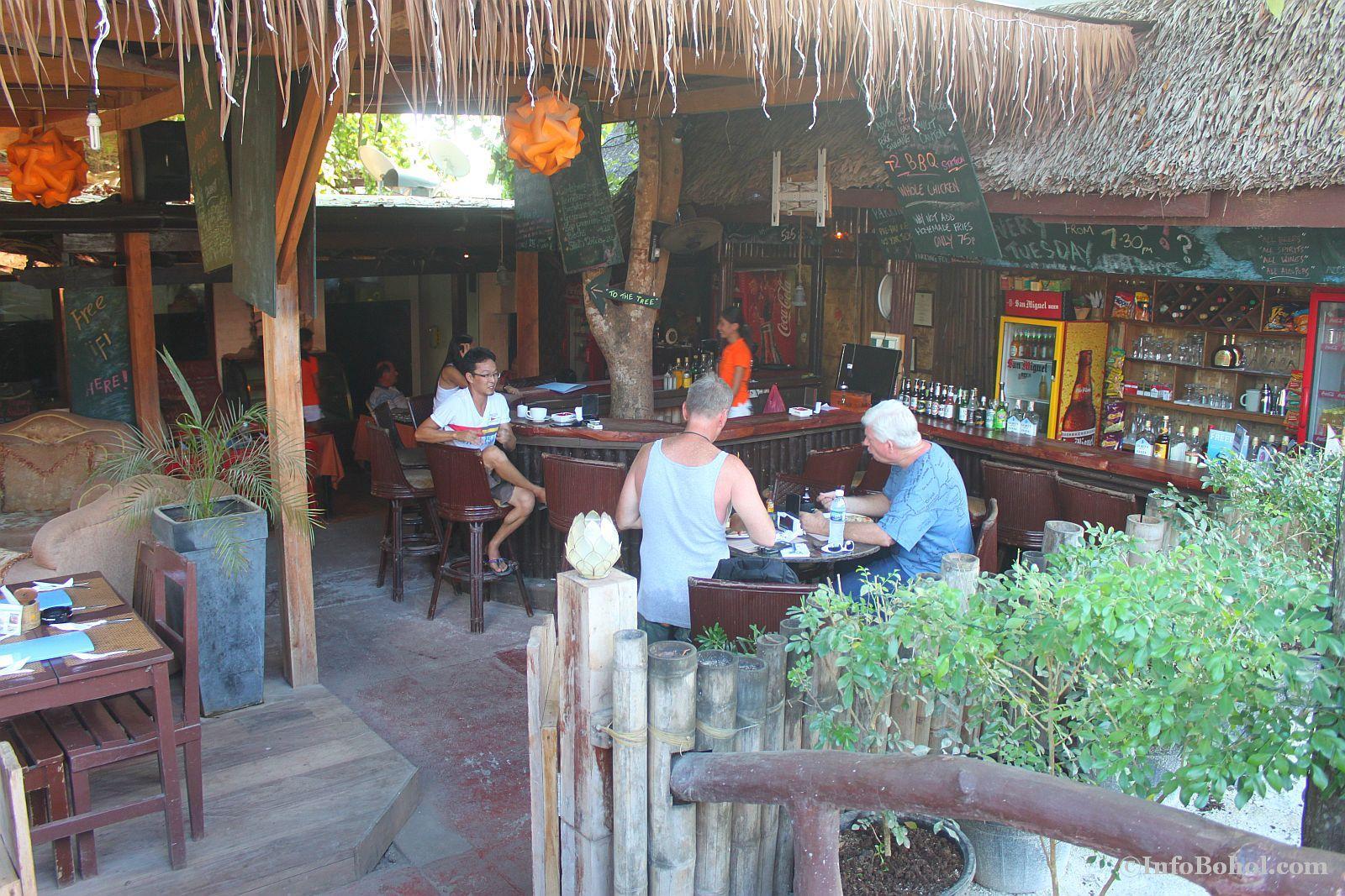 T2 restaurant bar alona beach panglao bohol 015
