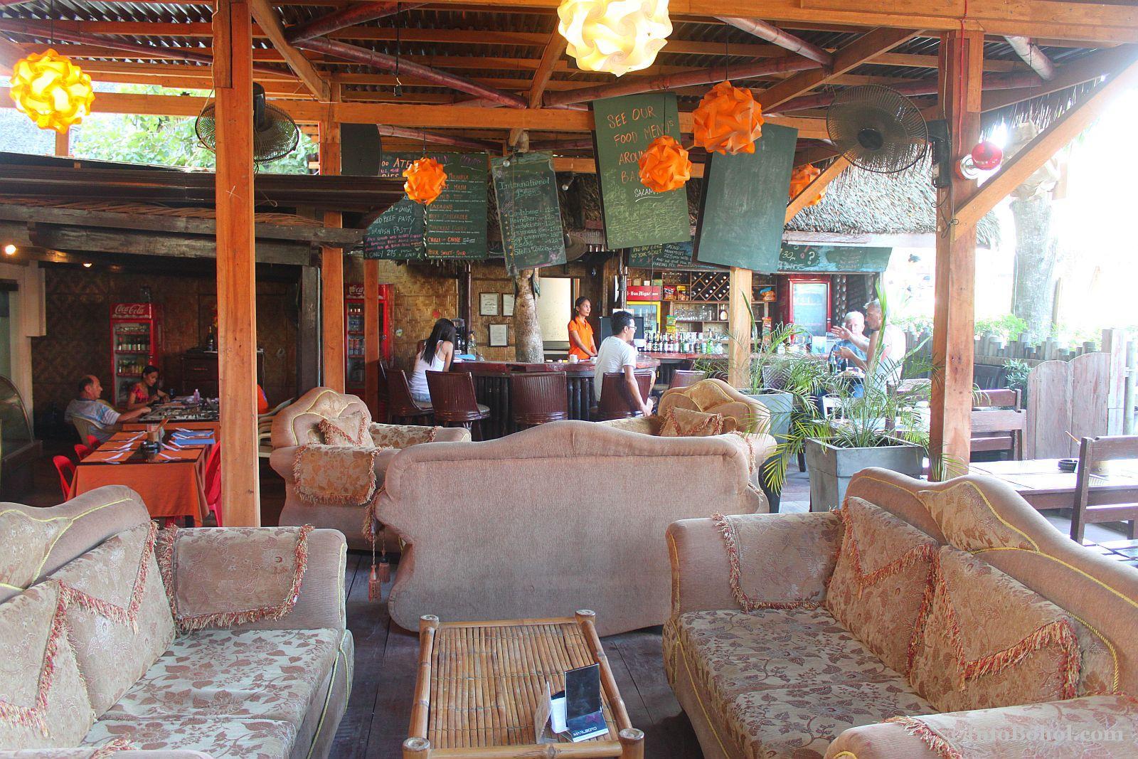 T2 restaurant bar alona beach panglao bohol 017